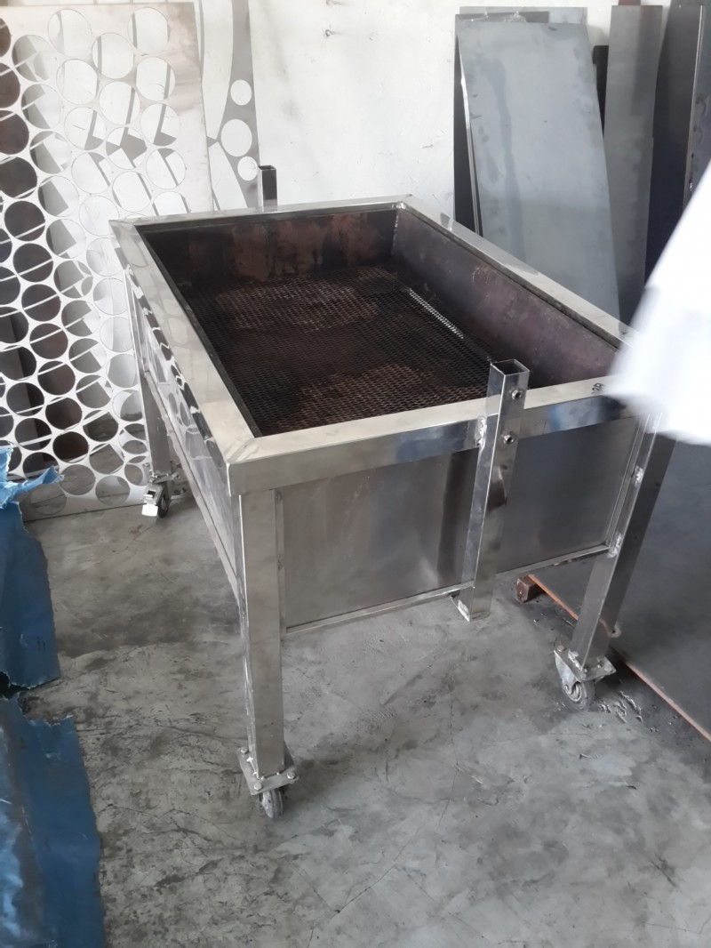 STAINLESS STEEL BBQ BAKER