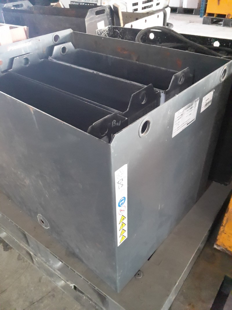Forklift Battery Tank